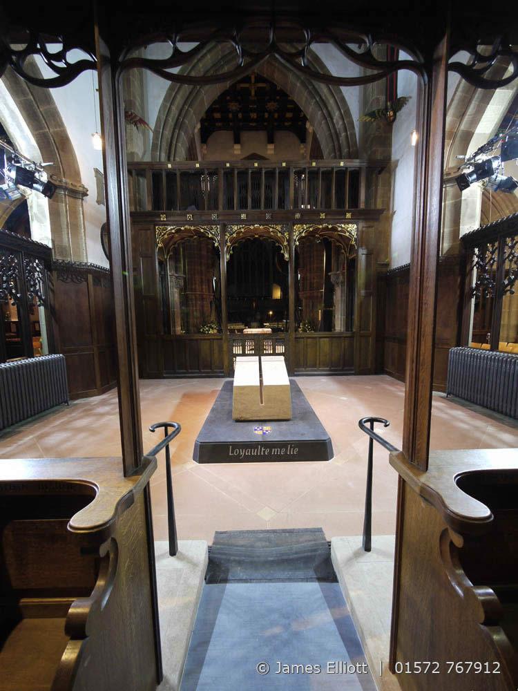 Richard III Tomb | James Elliott | Marble & Stonemason ...